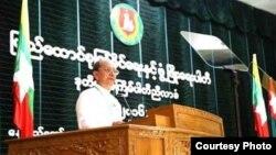 USDP ျပည္ခိုင္ၿဖိဳးပါတီ ဥကၠ႒ ဦးသိန္းစိန္ (ဓါတ္ပံု-USDP ျပည္ခိုင္ၿဖိဳးပါတီ)