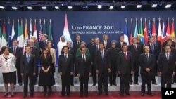 ျပင္သစ္ႏိုင္ငံမွာက်င္းပေနတဲ့ G-20 ထိပ္သီးအစည္းအေ၀း တက္ေရာက္ေနၾကသည့္ ကမၻာ့ေခါင္းေဆာင္မ်ား (ႏို၀င္ဘာလ ၃၊ ၂၀၁၁)