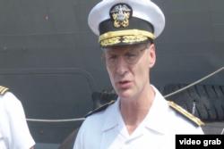 第七艦隊司令海軍中將奧庫安。(視頻截圖)