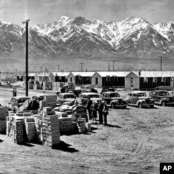 加州沙漠中的一个关押日裔美国人的营地