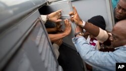 En 2014, el promedio de detenciones mensuales de disidentes en Cuba fue de 741, y en 2013 de 536.