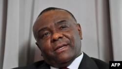 Makamu rais wa zamani wa DRC Jean-Pierre Bemba akizungumza na waandishi wa habari mjini Brussels, July 24, 2018.