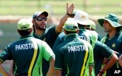 پاکستان میں بھارت کی کامیابی کی دعائیں