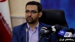 از محمد جواد آذر جهرمی به عنوان گزینه پیشنهادی روحانی برای وزارت ارتباطات نام برده می شود.