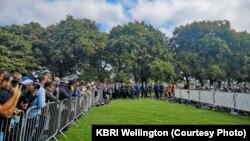 Warga di seluruh Selandia Baru hari Jum'at (22/3) memperingati satu minggu serangan mengerikan terhadap dua masjid di kota Christchurch yang menewaskan sedikitnya 50 orang dan melukai puluhan lainnya. (foto: Courtesy KBRI Wellington)