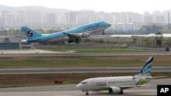 지난해 5월 한국 김포공항에서 이착륙 중인 한국 민항기들. 당시 한국 민항기들에서 북한이 보낸 것으로 보이는 방해전파가 감지됐다.