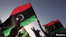 利比亚人选举后在街头庆祝
