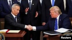 中美雙方簽署第一階段貿易協議。