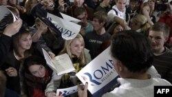 Republikanski predsednički kandidat Mit Romni u susretu sa pristalicama u Ajovi
