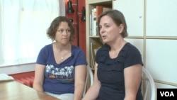 米歇爾.貝利(右)和安娜.奧爾森(視頻截圖)