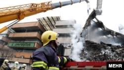 آواربرداری از ساختمان پلاسکو برای یافتن جنازه زیر آوار ماندگان