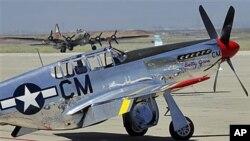 """被称为""""奔腾鬼影""""的P-51野马型飞机"""