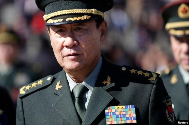2014年3月4日,中國軍隊總後勤部政委劉源將軍在北京參加人大會議之後離開人民大會堂.