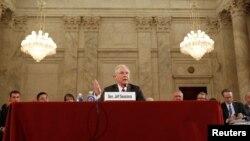 Senator Džef Sešns svedoči u američkom Senatu, na pretresu o potvrdi njegove nominacije za sekretara za pravosuđe