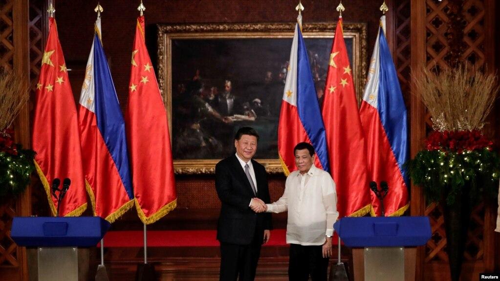 Tổng thống Philippines Rodgrigo Duterte tiếp Chủ tịch Trung Quốc Tập Cận Bình hồi năm 2018