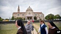 Basilique du Sanctuaire national de l'Immaculée Conception, la plus grande église catholique aux Etats-Unis et en Amérique du Nord, où le pape François a célébré une messe lors de son passage à Washington, lundi 21 septembre 2015. (AP Photo / David Goldman)