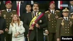 El presidente venezolano, Nicolás Maduro, reacciona durante un evento que fue interrumpido. Fotograma tomado de video 4 de agosto de 2018, Caracas, Venezuela. (Reuters)