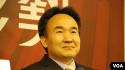 中國社會科學院台灣研究所副所長朱衛東表示,台灣朝野惡鬥對兩岸關係有負面影響(美國之音湯惠芸)