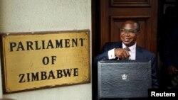Gurukota rezvemari Muzvinafundo Mthuli Ncube vave kukwenenzvera bhajeti regore rinouya vasati varipira kuparamende.