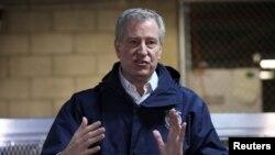 Le maire Bill de Blasio lors d'une conférence de presse sur la propagation du coronavirus à New York, États-Unis, le 24 mars. 2020. (Photo: REUTERS / Caitlin Ochs)