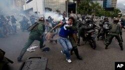 """""""Estas medidas se centrarían en las personas, no al pueblo venezolano"""", señaló el Departamento de Estado en un comunicado."""