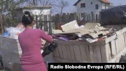 Senada kaže kako bi voljela da njena djeca završe školu, kako ne bi morala poput nje prikupljati staro željezo i karton