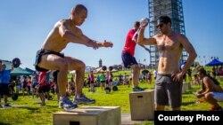 CrossFit involves simple, intense movements. (Photo: Michael J. LaPierre)