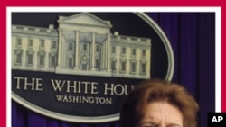 "Thomas en couverture de son livre ""Front Row at the White House"""