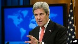 Menteri Luar Negeri AS John Kerry berbicara dalam konferensi pers di kantornya di Washington, D.C. (5/1). (AP/Cliff Owen)