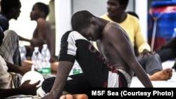 Opération de sauvetage des migrants en péril dans la Méditerranée par MSF