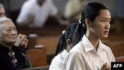 Việt Nam, Trung Quốc kiểm soát tôn giáo gắt gao nhất
