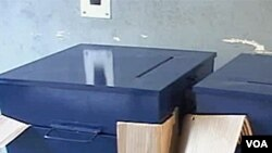Glasačke kutije spremne, čekaju se birači