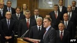 Premijer Igor Lukšić tokom obraćanja u parlamentu (arhivski snimak)