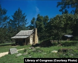 The 1890 single-crib log William Lawless Billy Ramsey cabin.