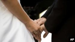 Ο θεσμός του γάμου ξεπερασμένος δηλώνουν 4 στους 10 αμερικανοί