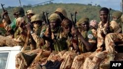 Soldats Tchadiens quittant Bangui le 4 avril 2014.