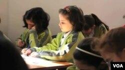 Turkiyada suriyalik qochqinlar lagerda tahsil olmoqda