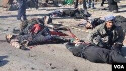 Serangan bom bunuh diri atas sekelompok peziarah Syiah di kota Nasiriyah, Irak Selatan menewaskan 45 orang (5/1).