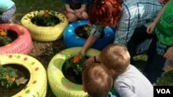 Djecica formiraju male baste