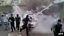 Недатированный снимок, сделанный с видео на YouTubе, о протестах в провинции Дараа