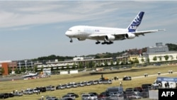 Airbus A380 là kiểu máy bay chở khách lớn nhất trên thế giới, có khả năng chuyên chở gần 500 hành khách