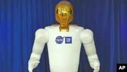 องค์การนาซ่าของสหรัฐทดสอบการสั่งงานหุ่นยนตร์มนุษย์อวกาศตัวแรกที่สถานีอวกาศนานาชาติ