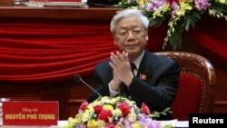 베트남 공산당은 27일 당대회를 통해 응웬 푸 쫑 공산당 서기장의 유임을 정식으로 결정했다. 사진은 지난 21일 하노이 시에서 열린 제 12차 공산당 당대회 개막식에서 참석한 응웬 푸 쫑 공산당 서기장.