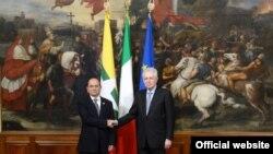 သမၼတ ဦးသိန္းစိန္နဲ႔ အီတလီဝန္ႀကီးခ်ဳပ္ Mario Monti