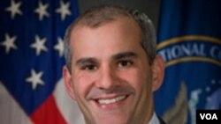 Michael 'Mike' Leiter, Direktur Pusat Kontra-Terorisme Nasional Amerika (2007-2011).