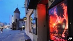 Striptiz klub u starom gradu u Talinu. Estonija je 21. marta 2012. postala poslednja zemlja EU koja je zabranila trgovinu ljudima.
