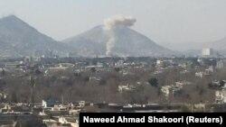 Dim nakon eksplozije auto-bombe u Kabulu, 27. januar 2018. godine.