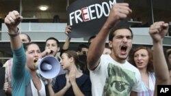 Против насилия в тюрьмах протестуют грузинские студенты. Тбилиси. 22 сентября 2012 г.
