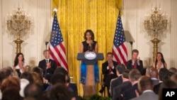 Đệ nhất phu nhân Michelle Obama thông báo chương trình kêu gọi các thị trưởng giúp chấm dứt tình trạng vô gia cư của các cựu chiến binh tại Tòa Bạch Ốc, Washington, 4/6/2014.