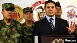 El Comandante de las FF.MM y el Ministro de Defensa de Colombia dijeron que las FARC incumplieron el anuncio de tregua.